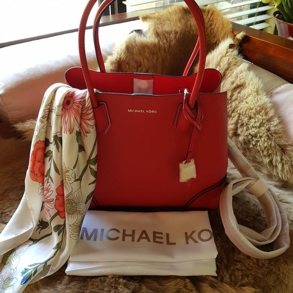 8a5c12e1dbca MICHAEL Michael Kors Bags | Michael Kors Mercer Corner Center Zip ...